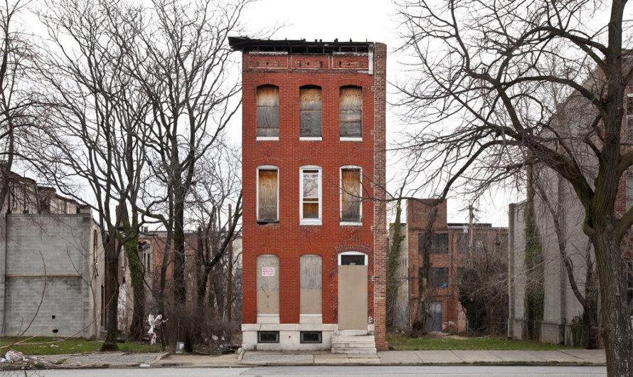 На отшибе : Одинокие дома Бена Марчина