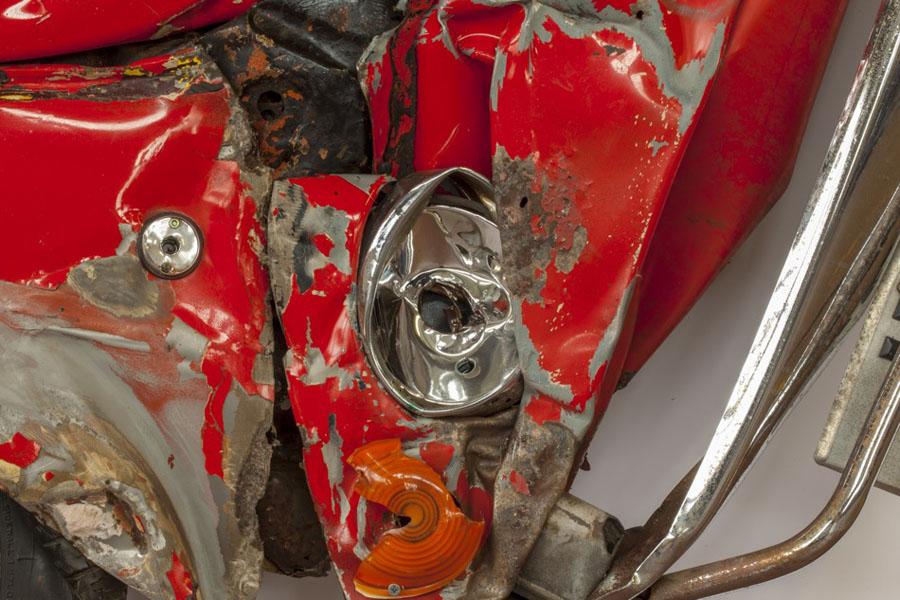 Плоские автомобили Фиат-500 художника Рона Арада