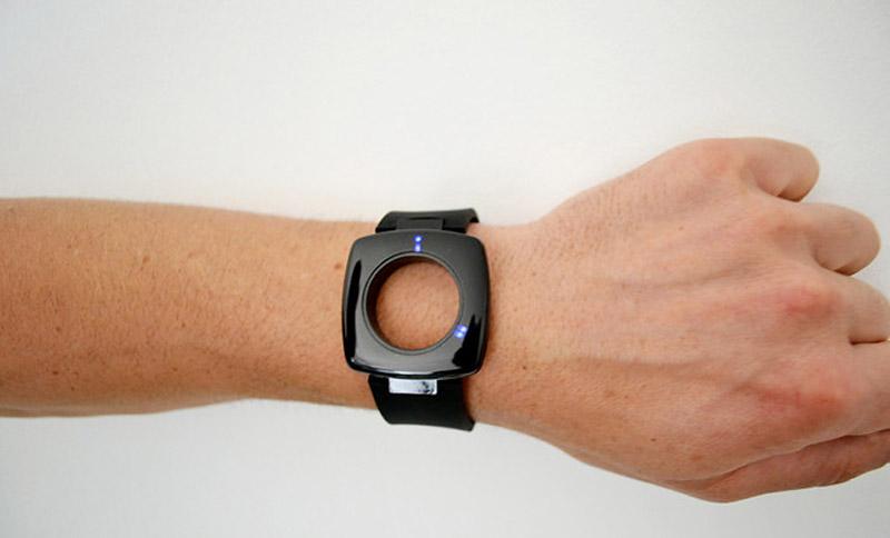 Глаз Бури : Часы-концепт студии Yesign