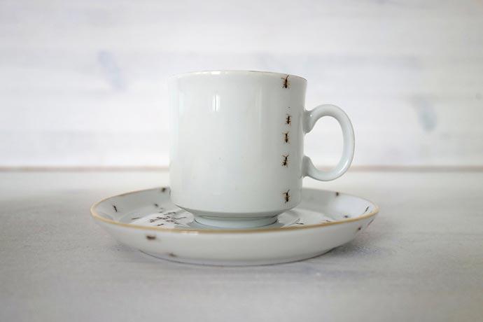 Фарфоровая посуда с изображением муравьев Evelyn Bracklow