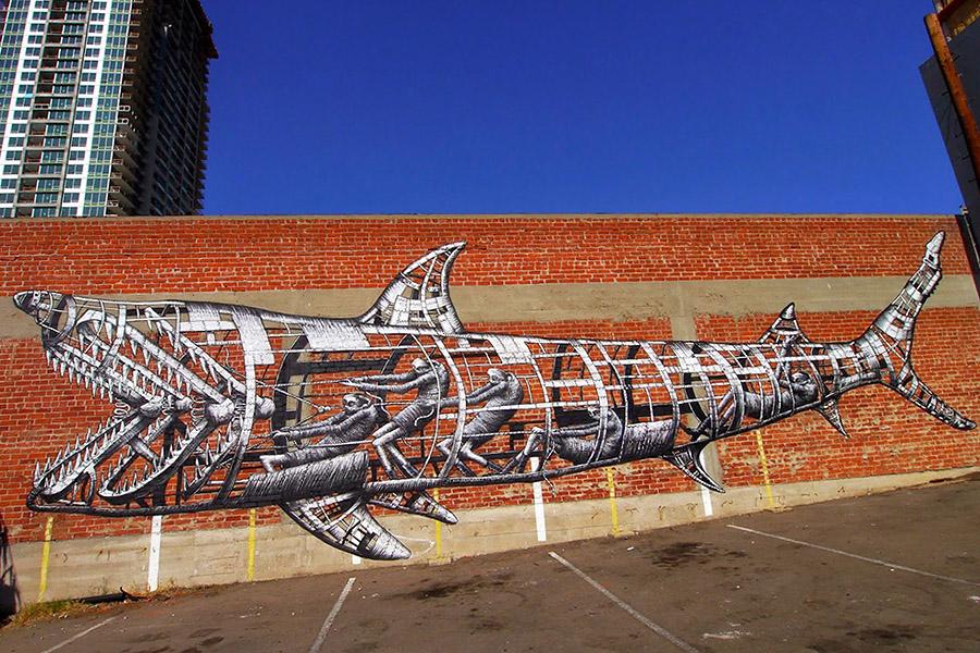Механическая акула Phlegm на фестивале в Сан-Диего