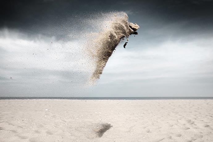 Gravity - Sand Creatures. Песчаные создания Клэр Дропперт
