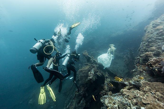Подводная фотосессия Бенджамина Вонга (Benjamin Von Wong) у побережья Бали