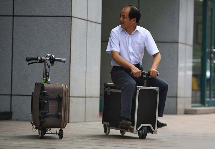 Чемодан-скутер с электродвигателем китайского изобретателя He Liangcai