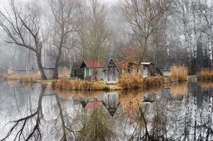 Отражение в воде : фотографии заброшенной деревни Viktor Egyed